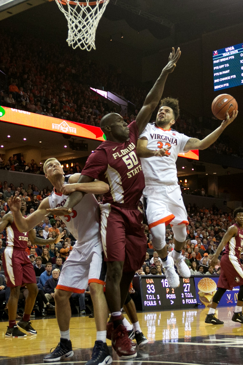London Perrantes and Virginia sit at 1-1 in ACC play.