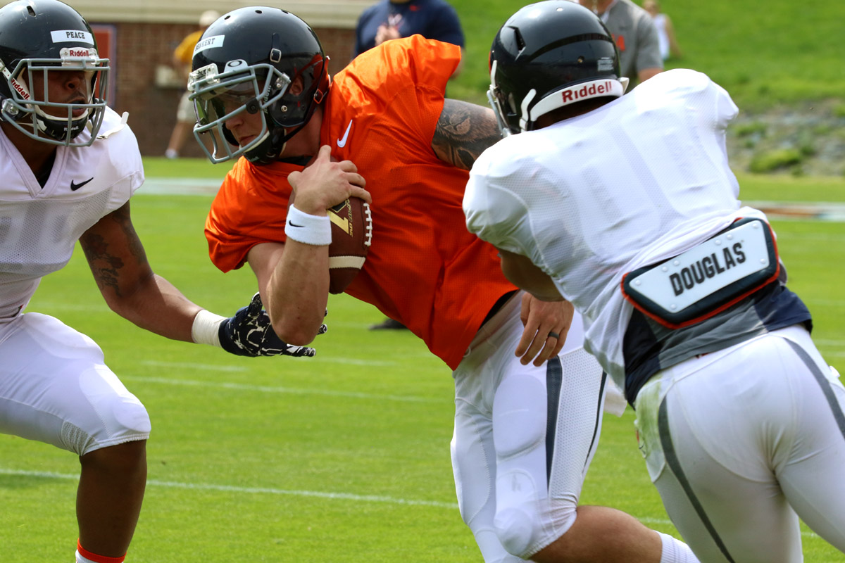 Kurt Benkert returns at the starting quarterback for the Virginia football team.