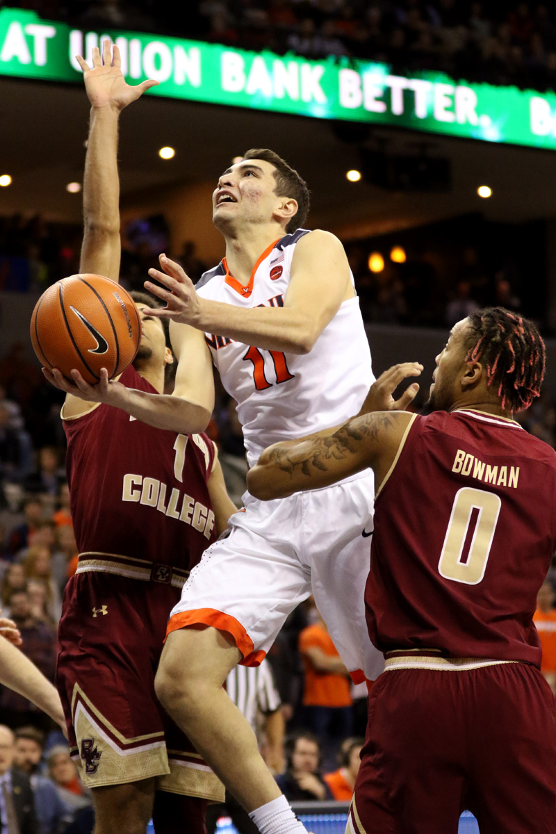 Ty Jerome and the Hoos are 1-0 in the ACC.